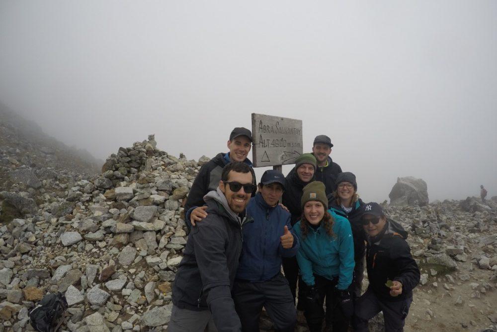 Salkantay Pass Wandern Gipfel Oben Geschafft Nebelig Kalt Peru Südamerika
