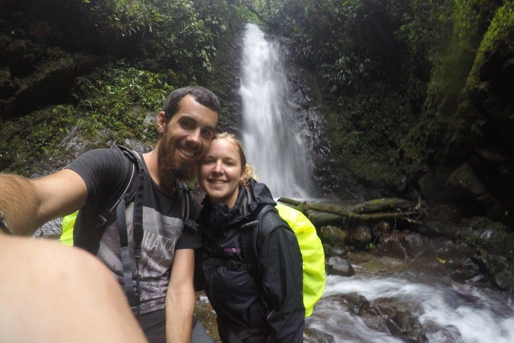 Selfie Wasserfall Mindo Ecuador Natur
