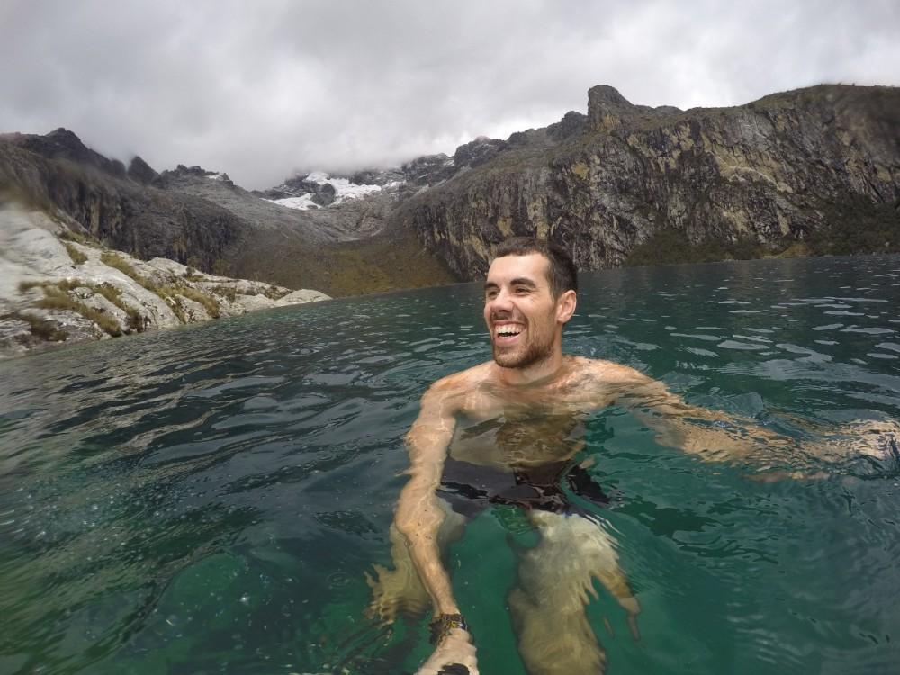 Lagune Chuchurup Selfie Berge Gebirge Gletscher See Wanderung Huaraz Peru Südamerika Schwimmen