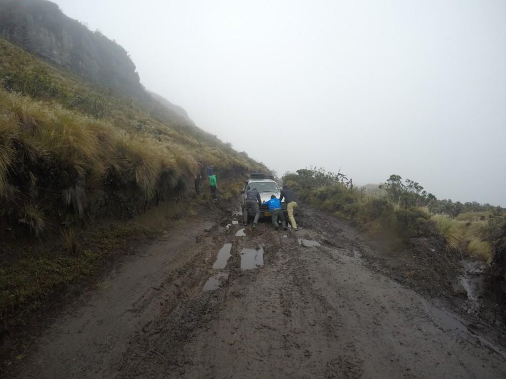 Jeep Schlamm Schieben Männer