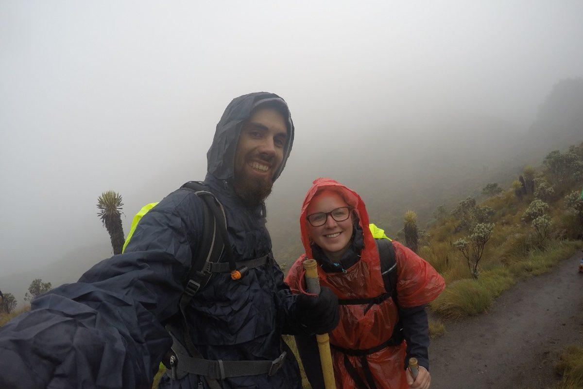 Gletscher Santa Isabel Vulkan Regen Wandern