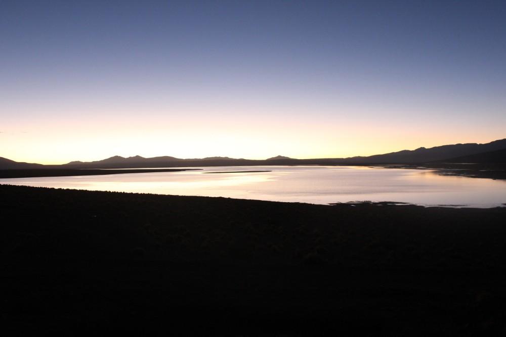 Bolivien Südamerika Sonnenaufgang Lagune Sonne Orange Rot Aussicht