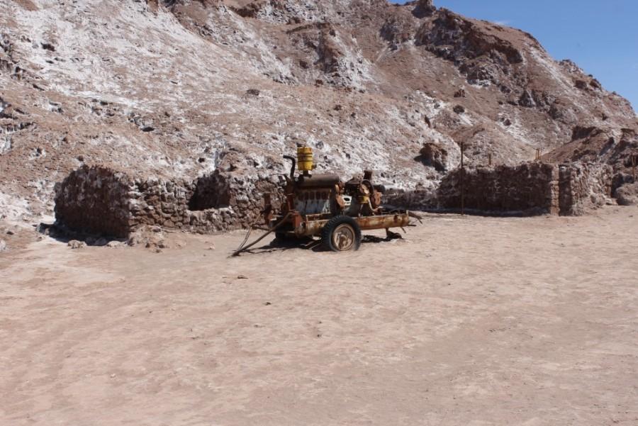 Valle de la Luna Mienen Bergbau Fahrzeug Gerätschaft Abbau Salzmiene