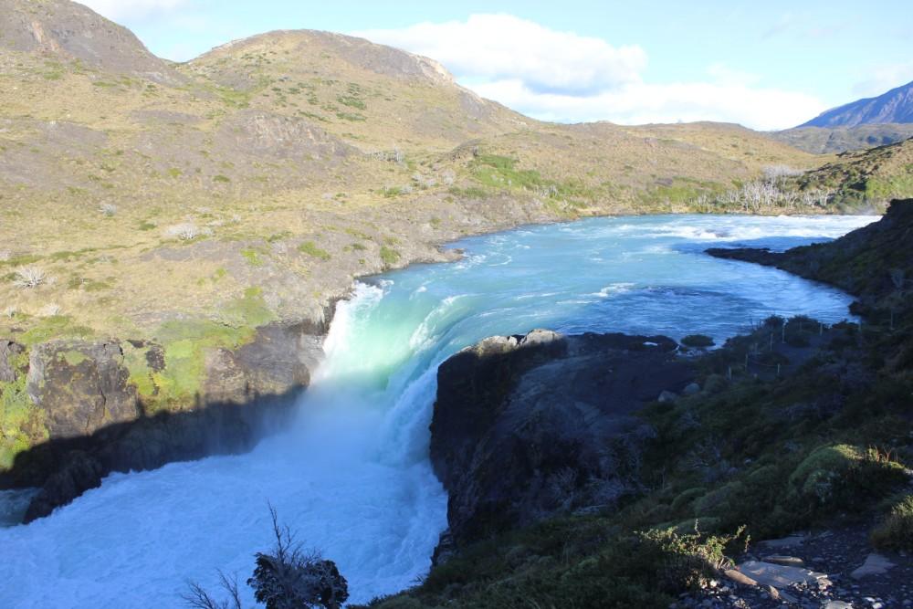 Wasserfall-Torres-de-Paine
