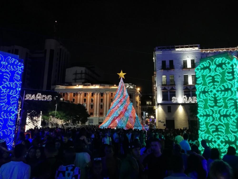 Weihnachten Weihnachtsmarkt Lichter Weihnachtsbaum Angeleuchtet