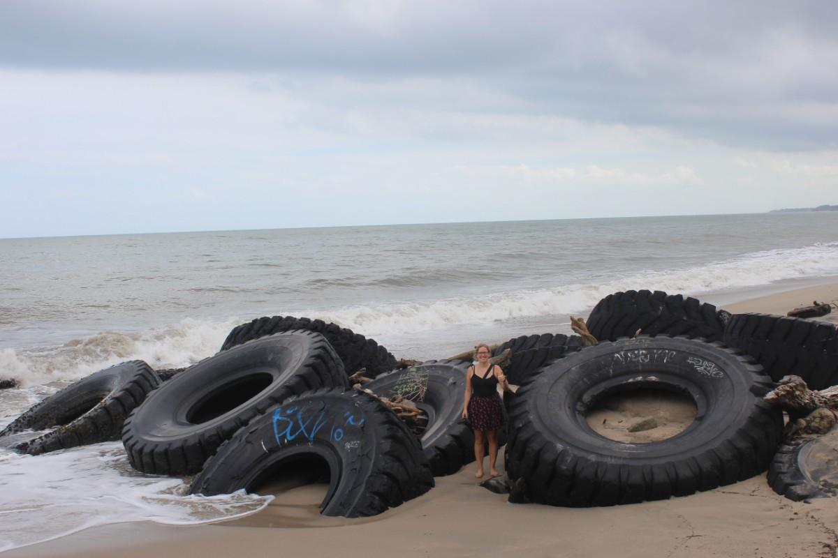 Strand Wellen Reifen Wellenbrecher