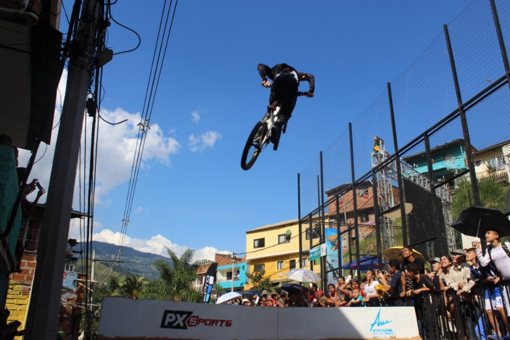 Downhill Race Communa 13