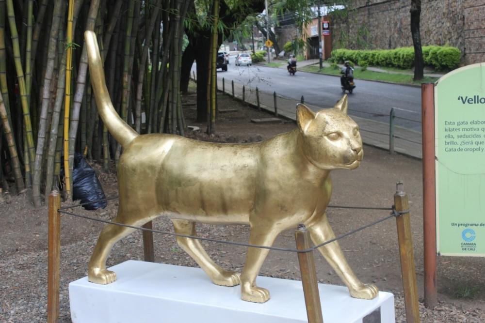 Katze Gold Statue