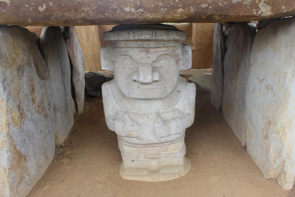 Indigene Statuen Grab Beschützer Bewacher