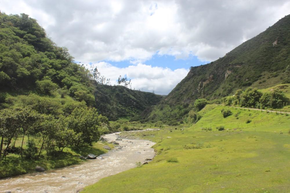 Quilotoa Loop Wandern Berge Natur Canyon Ecuador Südamerika Fluss