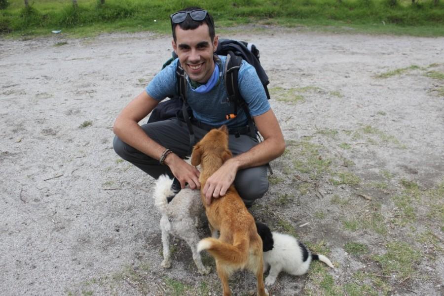 Quilotoa Loop Wandern Berge Natur Canyon Ecuador Südamerika Hundefreund Hunde Welpe Paradis