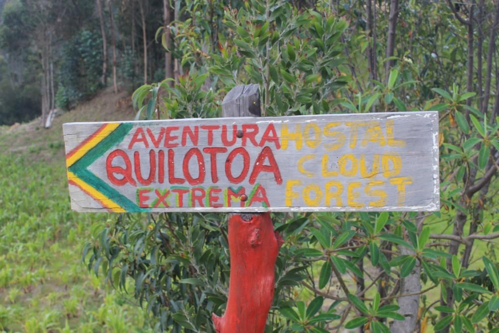 Quilotoa Loop Wandern Berge Natur Canyon Ecuador Südamerika Wanderweg Schild Adventure