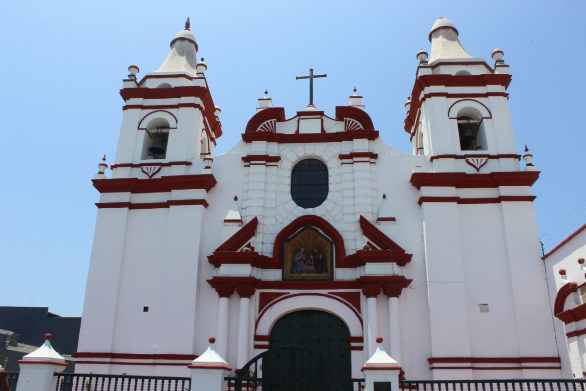 Kirche Gotteshaus Trujillo Großstadt Stadt Peru Südamerika