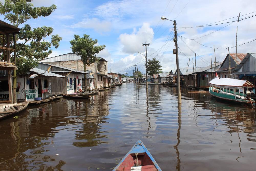 Iquitos Belen Schwimmendes Dorf Floating Wasser Peru Südamerika