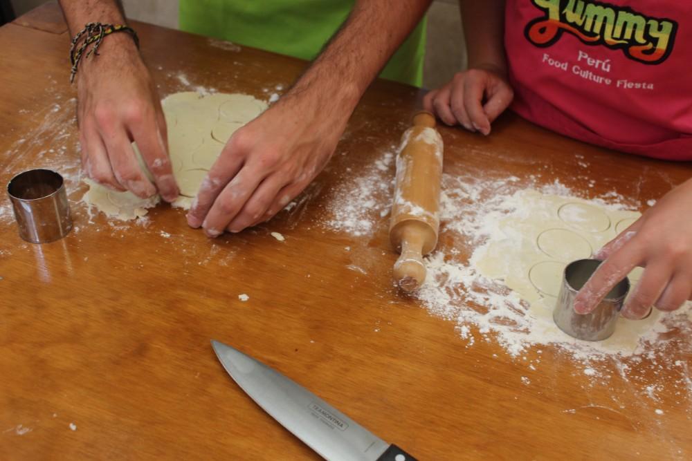Kochschule Yummy Kochkurs Lima Lecker Plätzchen Ausstechen Weihnachtsbäckerei