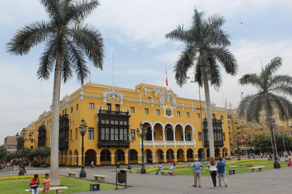 Lima Hauptstadt Peru Südamerika Zentrum Häuser Palmen Hauptplatz