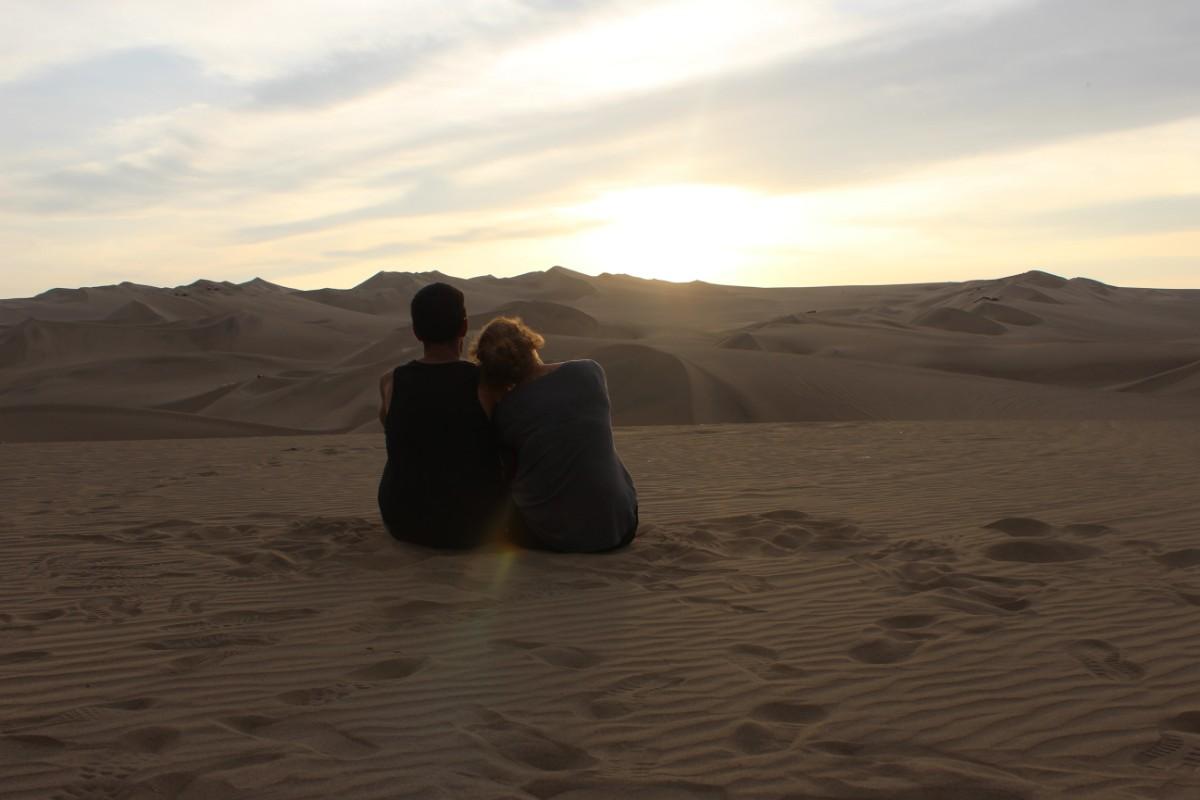 Huaccachina Ica Peru Südamerika Wüste Sand Sanddünen Aussicht Sonnenuntergang