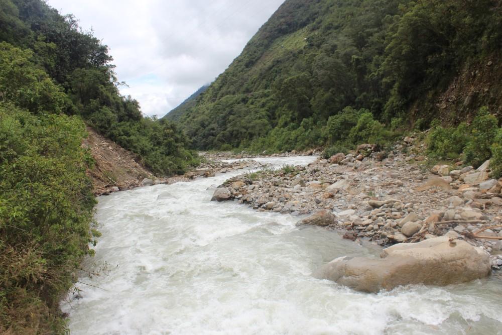 Salkantay Trek Wandern Peru Südamerika Machu Picchu Natur Fluss Wanderweg