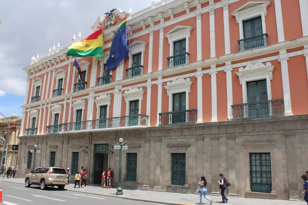 Präsidentenpalast La Paz Bolivien Südamerika historisches Zentrum Flaggen Soldaten