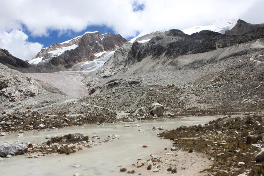 Huayana Potosi Wandern Bergsteigen 6000er La Paz Bolivien Südamerika See Schmelzwasser
