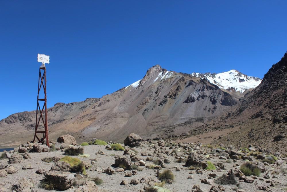 Sajama Nationalpark Natur Sajama Berg Gipfel Höchster Berg Boliviens Südamerika Wanderung Grenze