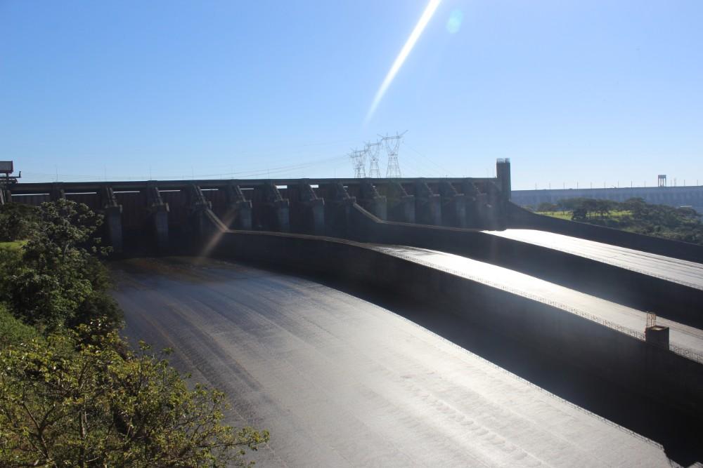 das-wasserkraftwerl-itaipu