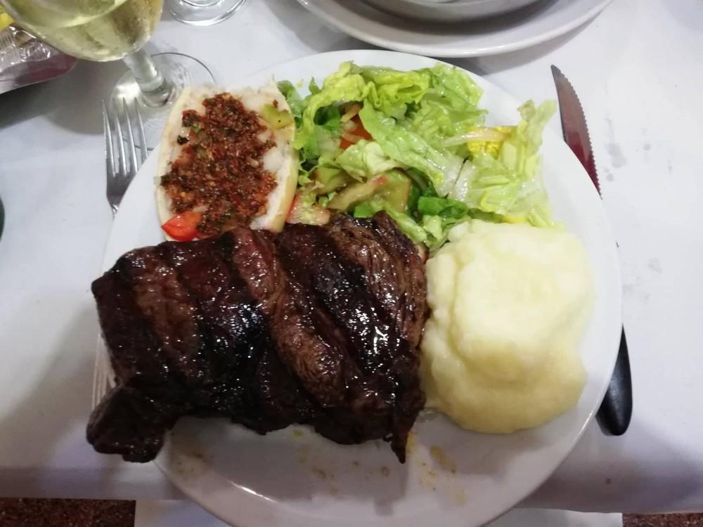 steak essen fleisch restaurant argentinisches rumpsteak ribeye grillrestaurant argentinien südamerika buenos aires hauptstadt