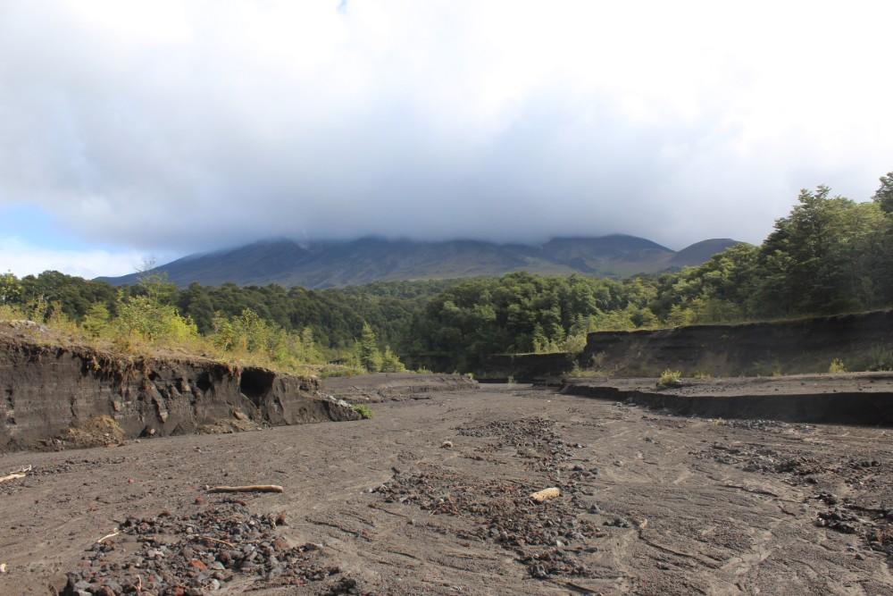 vulkanisches-flussbett