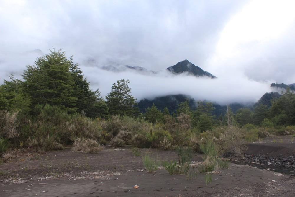 wolkenverhaengter-berg